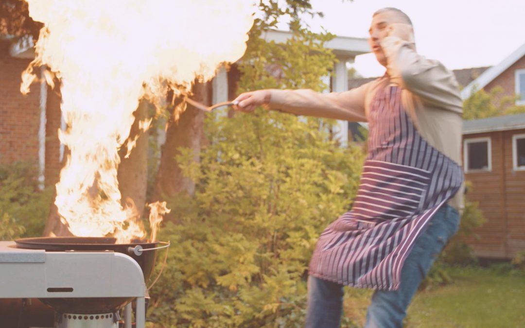 Stuntfyldt reklamefilm for Comparo